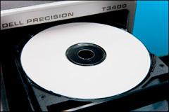 パソコンのディスクトレイに書き込み用CD-Rを乗せた常態